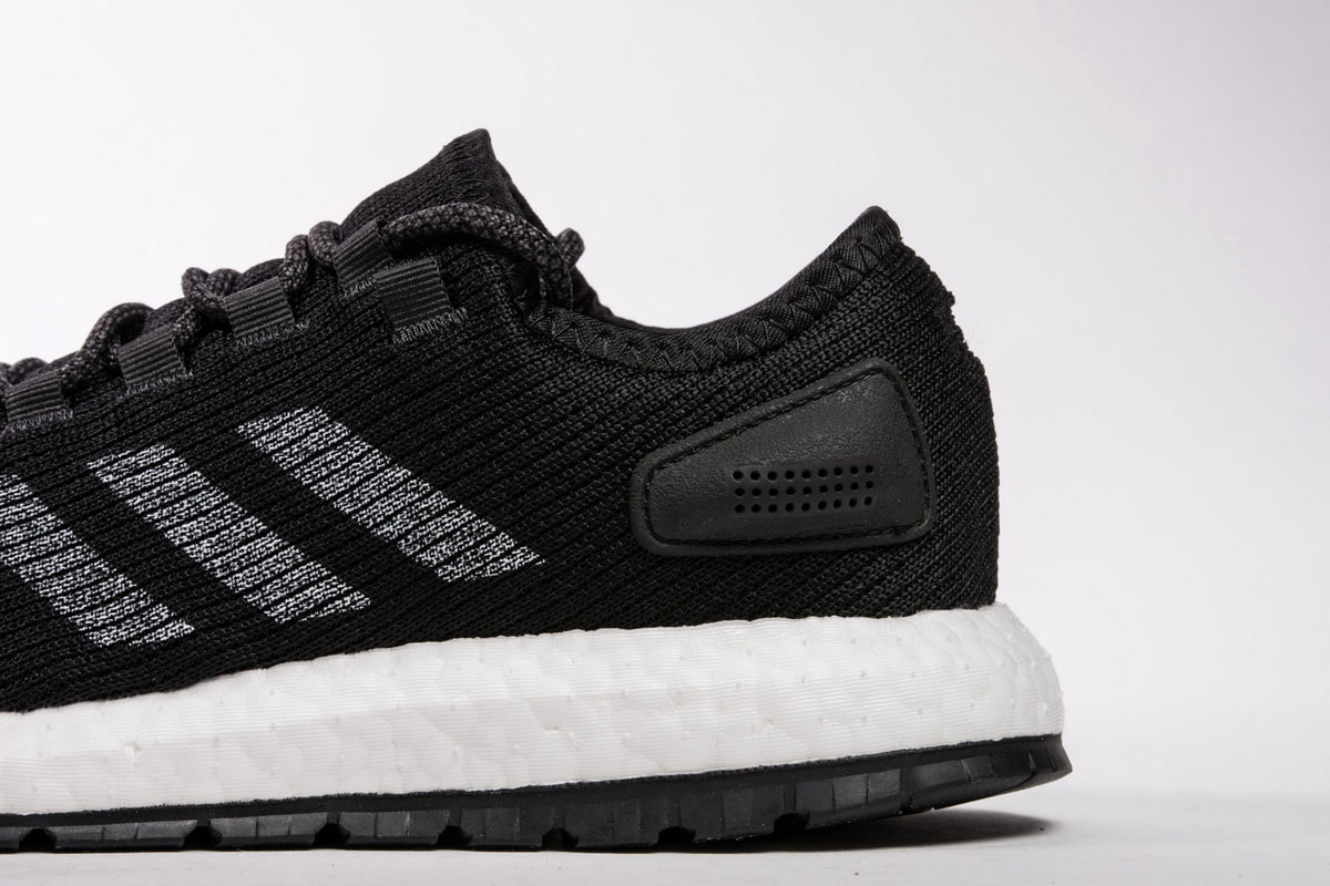 小椰子 黑白条8801-20 Adidas Pure Boost Running  Black White