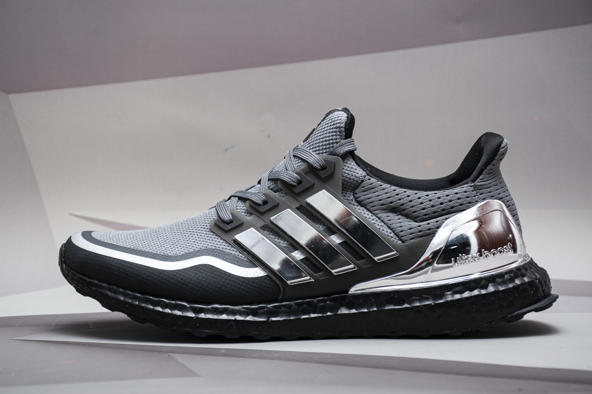 UB限定 灰银  UB限定 adidas Ultra Boost Grey Silver