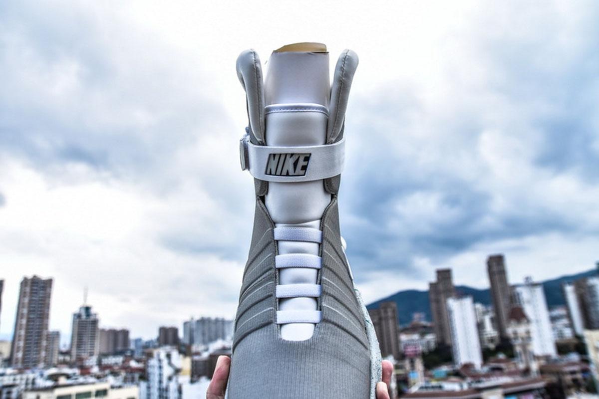 耐克回到未来灯鞋 原色 NIKE AIR MAG Back To The Future Original Color
