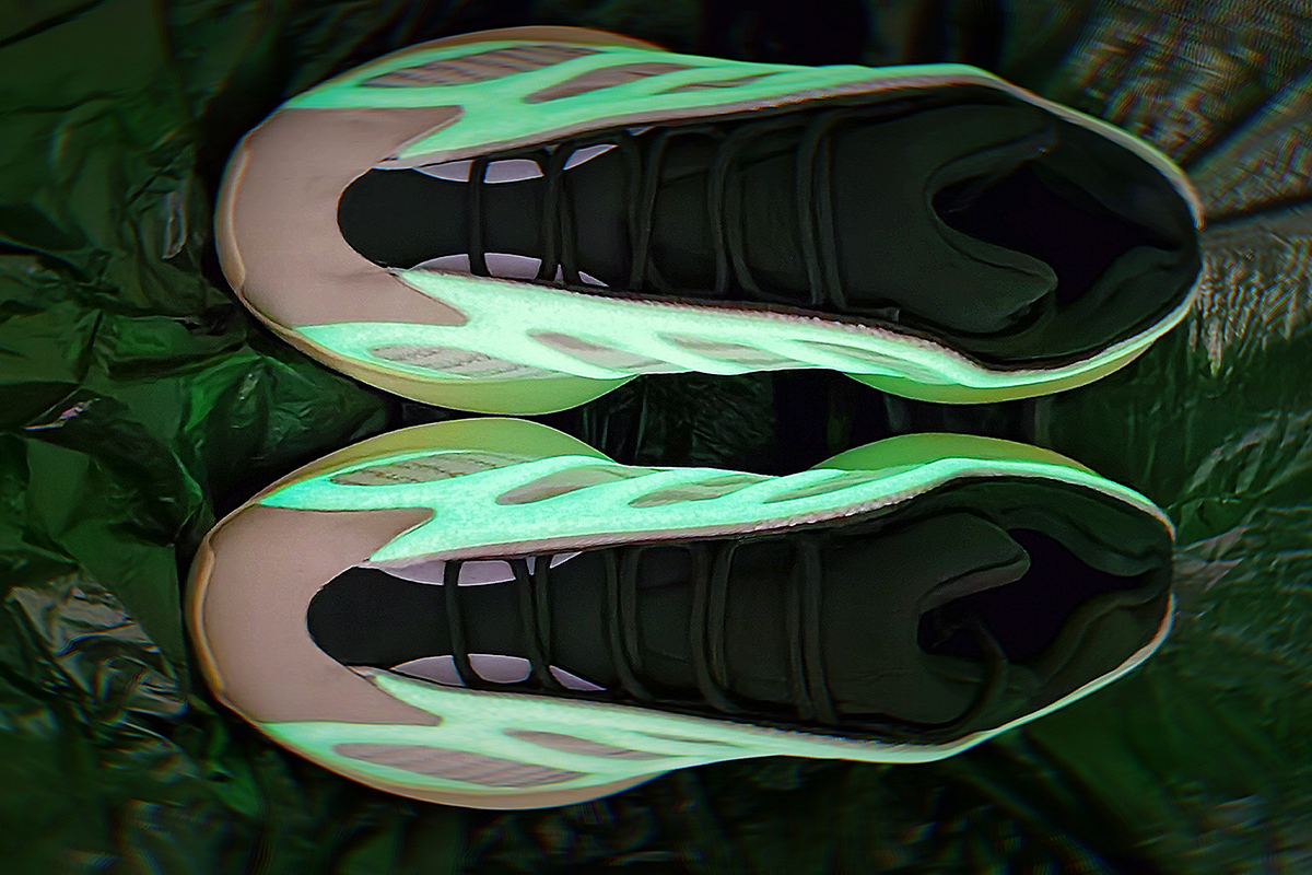 "STOS700V3 乳白色  STOS700V3 adidas Yeezy 700 V3 ""Azael""Basf Boost"