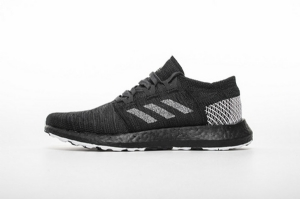 小椰子2代 全黑8813-2 Adidas Pure Boost GO Core Black/Carbon-Footwear White
