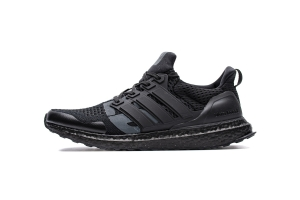 Adidas Ultra Boost 4.0 全黑联名 Adidas Ultra Boost 4.0 Undefeated X Triple Black