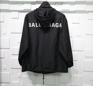 巴黎世家衣 CL 冲锋背后字母 Balenciaga Black