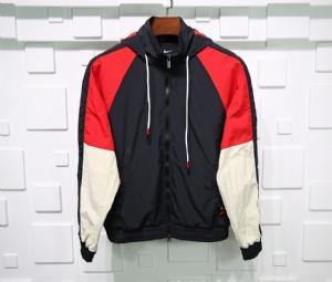 耐克衣 CL 风衣欧文黑红 Nike Black Red