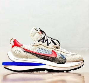 华夫2代 灰蓝红 Sacai x Nike Pegasua Vaporfly Grey Blue Red